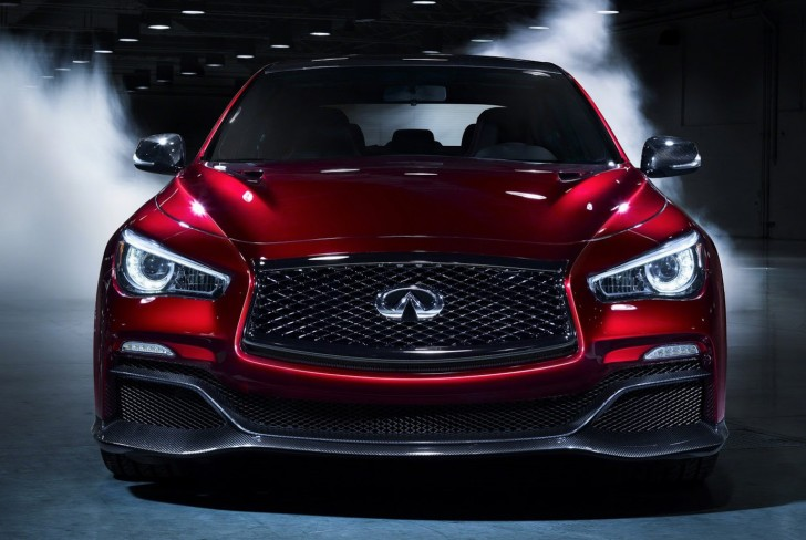 Q50 EAU ROUGE VIDEO EXCLUSIVE
